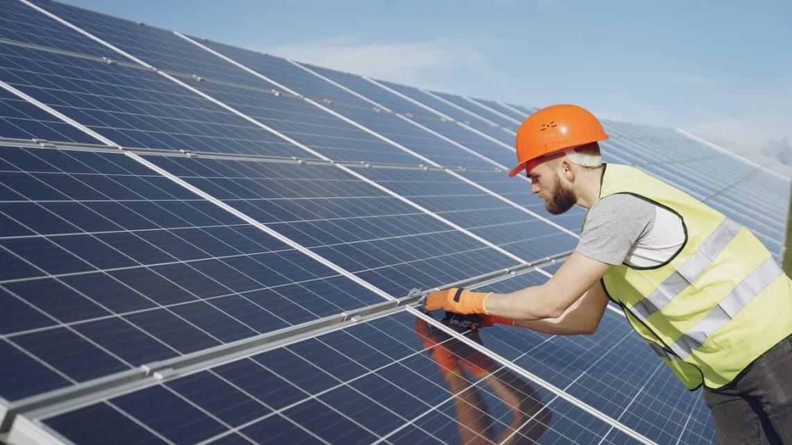 Er solceller måden private, og den generelle befolkning kan bidrage til den grønne omstilling?